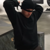 プロスケーターが目隠し状態でトリックにチャレンジ【バードボックスチャレンジ】